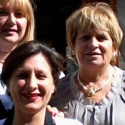 Vincenza, Enrica e Lara vi accolgono alla Trattoria Chiarone